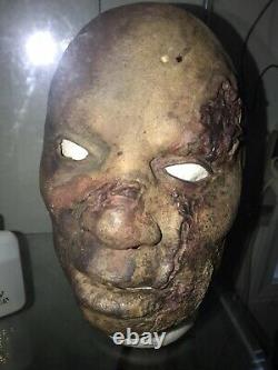 DAWN OF THE DEAD Movie Prop Screen Used ROMERO BACKGROUND MASK ZACH SNYDER 2004