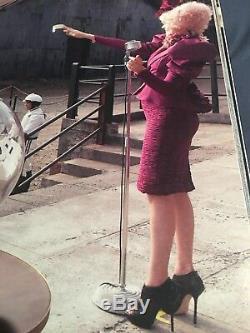 Elizabeth Banks HUNGER GAMES Screen worn Used Alternate Reaping scene Shoes COA