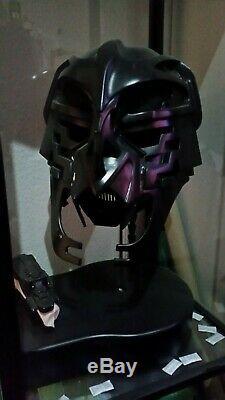 Kull Warrior helmet and blaster Stargate SG-1 screen used Prop