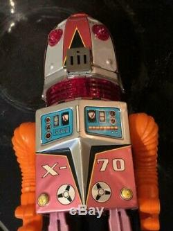 X-70 Tulip Head Tin Robot Made In Japan By TN With Original Box TV Camera Screen