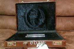 Xena Send In The Clones Suitcase Prop One Of Kind with COA screen used prop